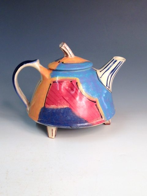 teapot with feet